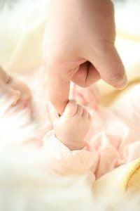 Los mejores ejercicios y juguetes para la estimulación de tu bebé